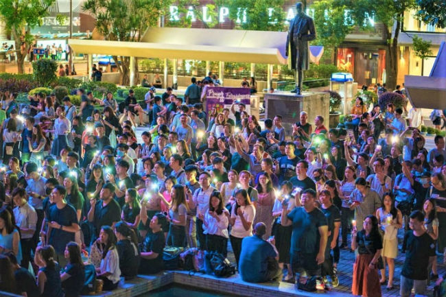 千人敬拜祈禱 燈海傳盼望祝福港城
