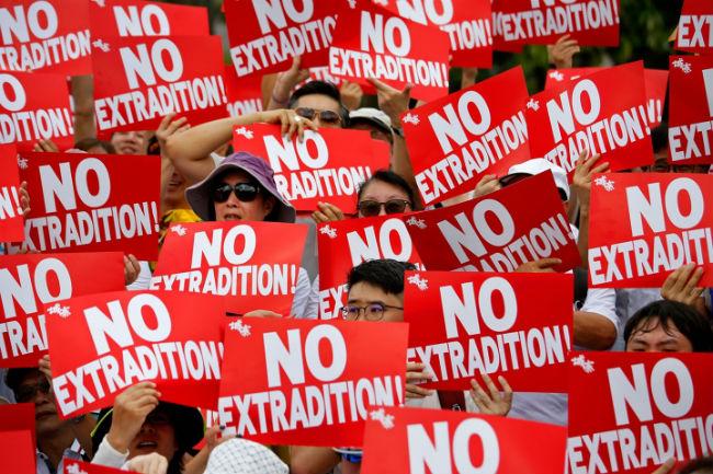 《逃犯條例》修訂觸發兩次過百萬人遊行。(圖:美聯社)
